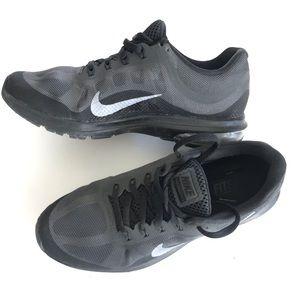 Nike Shoes - Nike shoes (women's size 9)